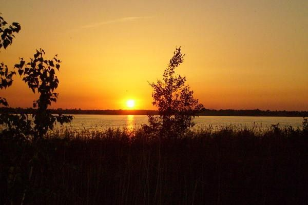 На закате. Восточный берег озера Горькое, май 2009 года. Автор: Ильяс Камалов.