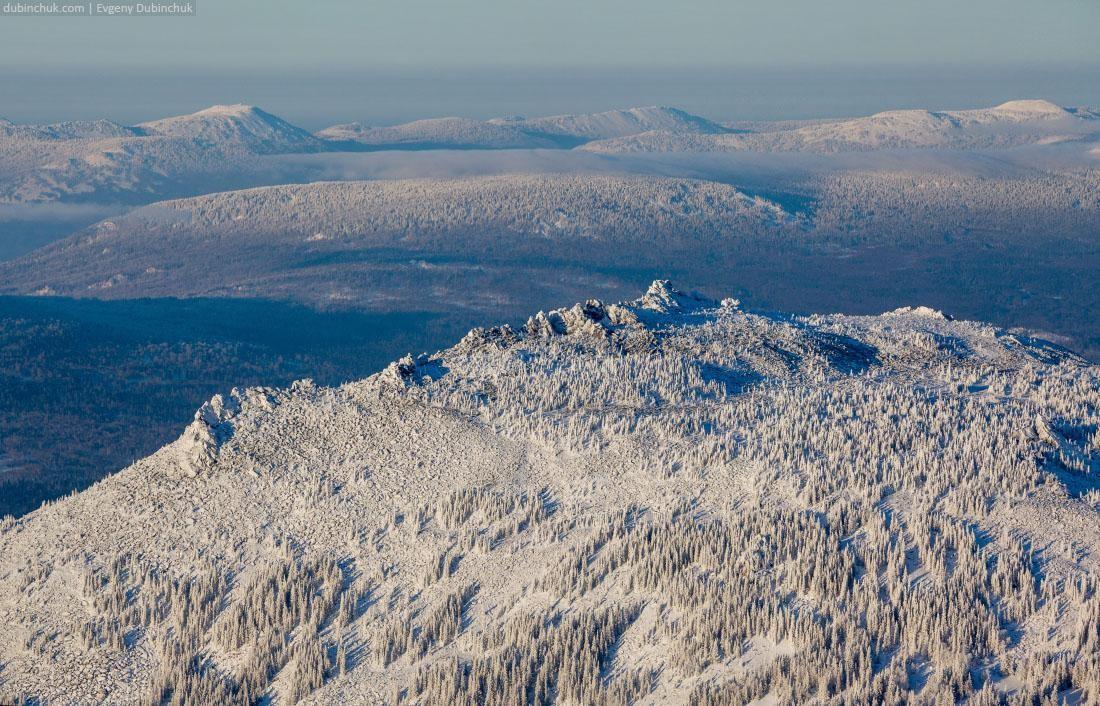 Горные хребты Южного Урала зимой в январе