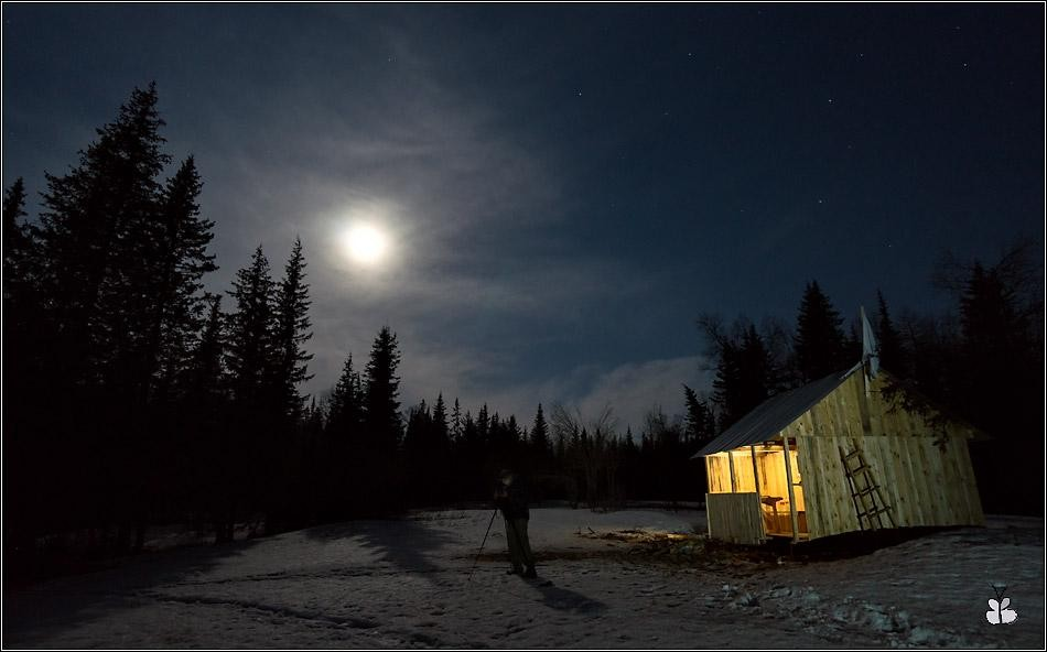 Ночной пейзаж с фотографом