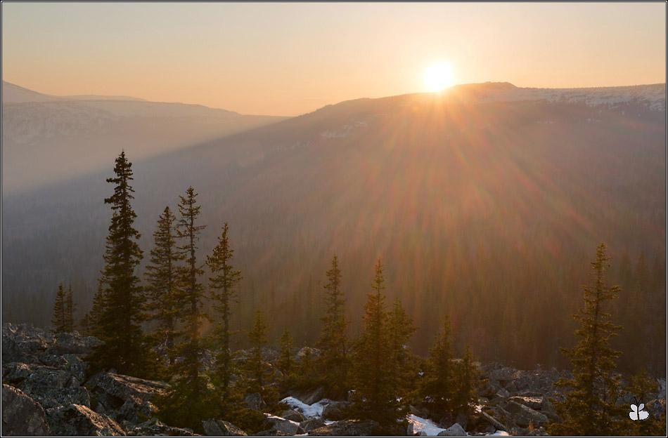 Солнце садится за Малый Иремель