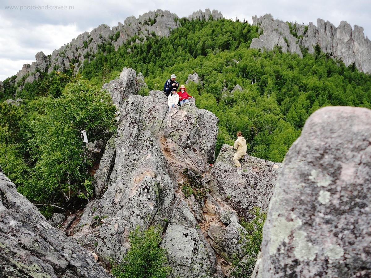 10. Пройдя, всего лишь, чуть больше 6-ти километров от входа в национальный парк Таганай, до приюта Белый ключ, можно увидеть такую вот красоту