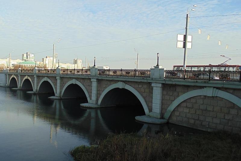 Городской пейзаж. Мост через р.Миасс