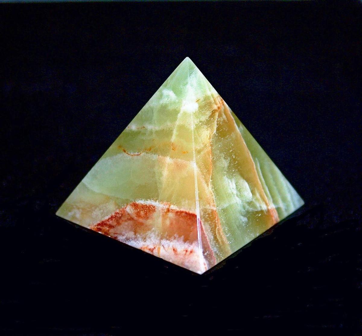 Пирамида в квадрате.
