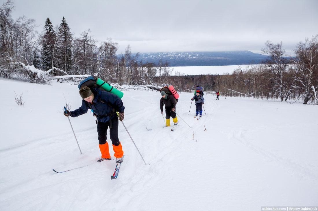 Подъем на лыжах от озера Зюраткуль