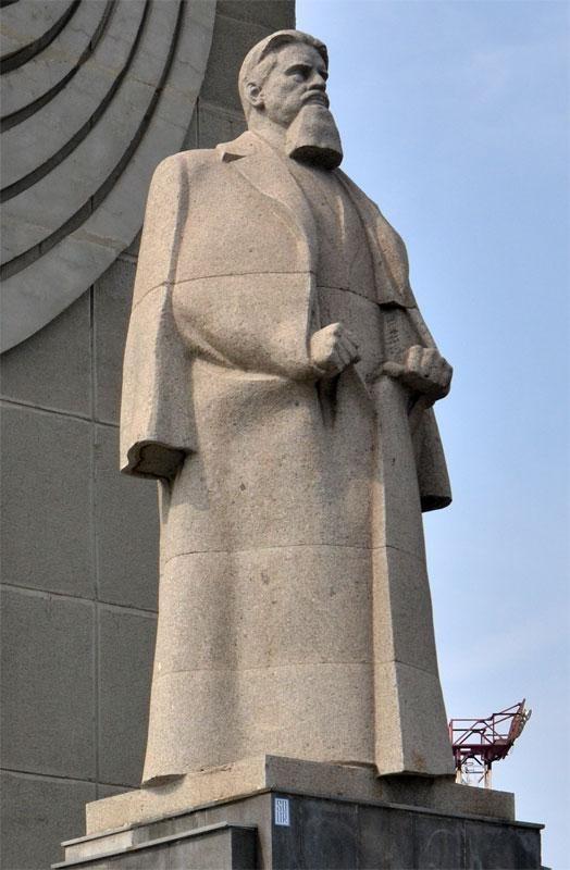 Памятник курчатову в челябинске история купить памятник недорого с фото