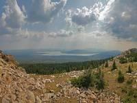 Хребет и озеро Зюраткуль
