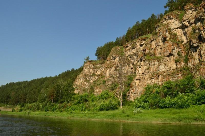 Скалы река АЙ