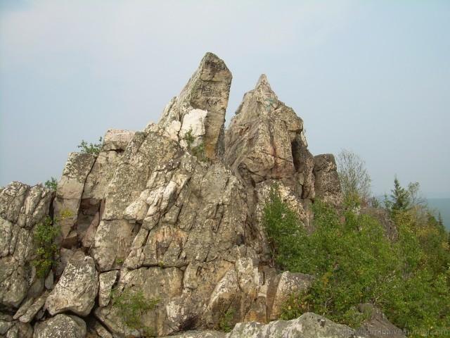 Александровская сопка. Скала на вершине