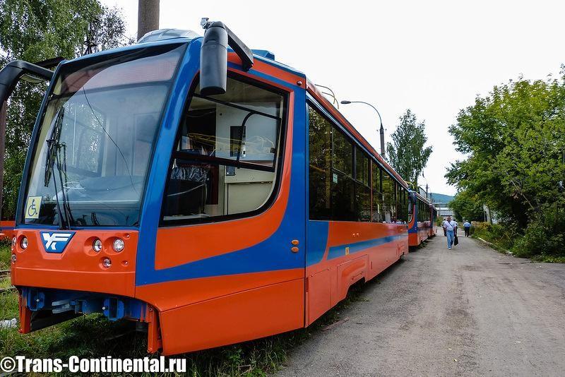 Трамваи модели 71-623 в ожидании отправки