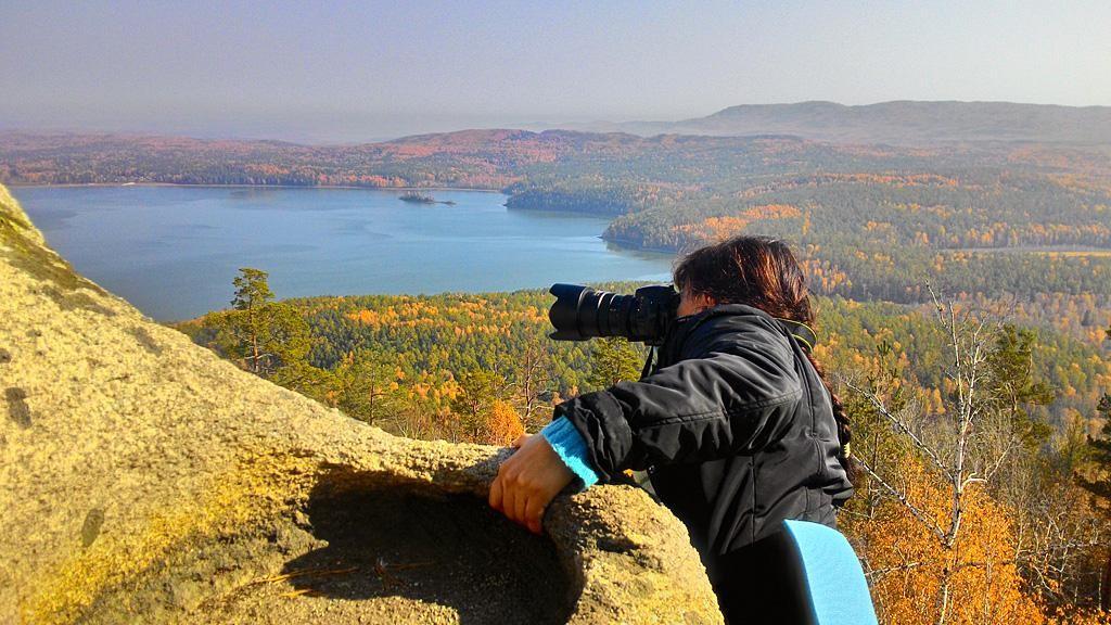 1. Вот так, рискуя жизнь, на высоте 80 метров над землей, делаются лучшие кадры. Фото снято на смартфон.