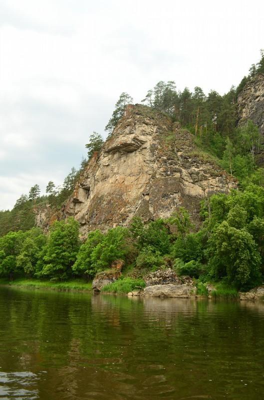 Скала река ай