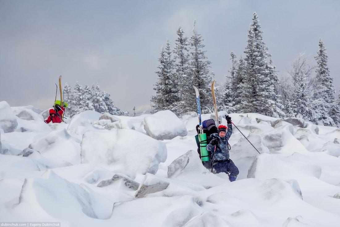 Суровый лыжный туризм в горах Урала