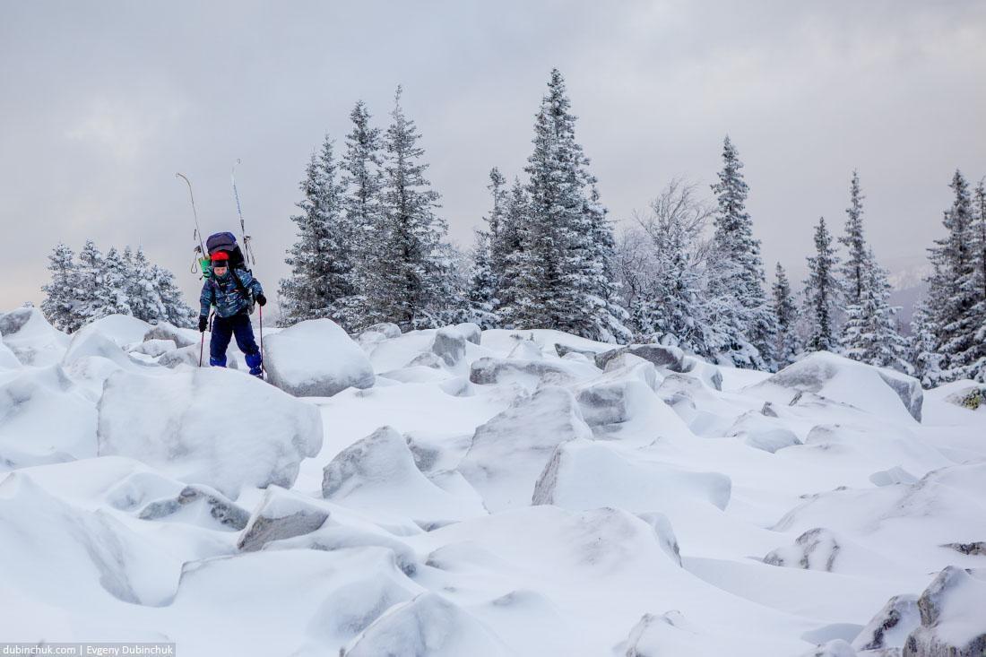С лыжами по курумнику. Зюраткуль, Южный Урал