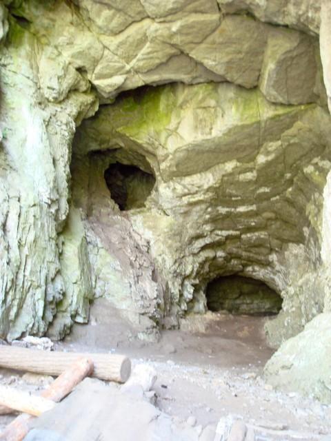Сикияз Тамакский пещерный град