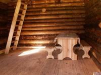 Кордон «У трех вершин». Внутри домика.