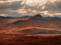 Золотая осень на хребте Нурали. Автор: Марат Ахметвалеев (http://marateaman.livejournal.com).
