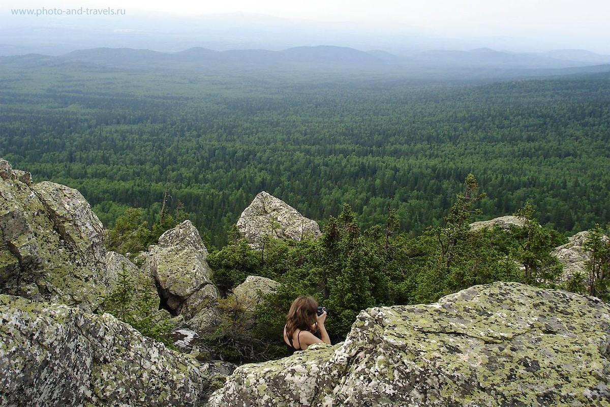 14. Туристы едут такую даль, топают по лесным тропинкам ради таких вот видов на горную страну. Отдых в Челябинской области. Походы выходного дня