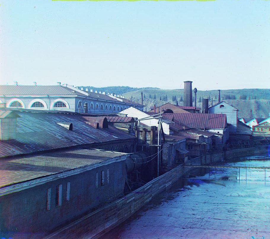 То же по другому берегу реки Ай. Златоустовский завод