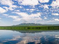 Вид на хребет Зюраткуль с озера Зюраткуль. Автор: Dmitry Shirokov.