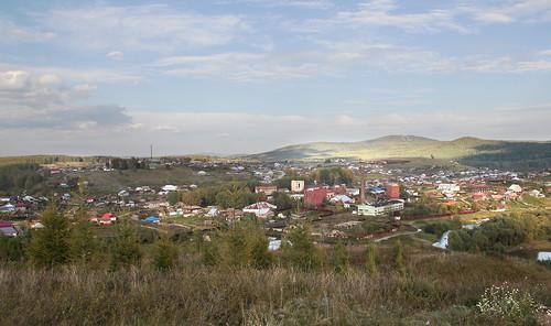 Копанец вдалеке над Петропавловкой